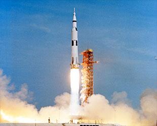 Apollow liftoff